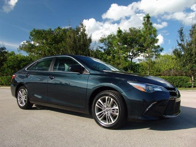 2016 toyota camry le le 4dr sedan for sale in pompano beach florida classified. Black Bedroom Furniture Sets. Home Design Ideas