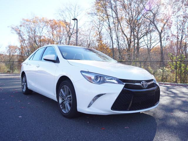 2016 toyota camry se se 4dr sedan for sale in smithfield rhode island classified. Black Bedroom Furniture Sets. Home Design Ideas