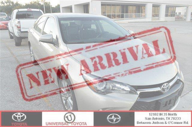 2016 Toyota Camry SE SE 4dr Sedan