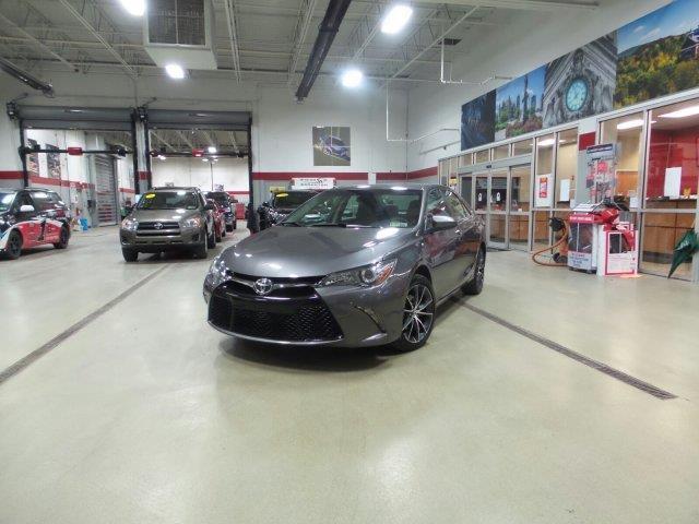 2016 Toyota Camry XSE XSE 4dr Sedan