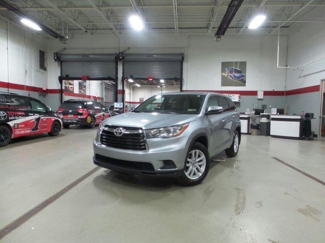 2016 Toyota Highlander LE AWD LE 4dr SUV