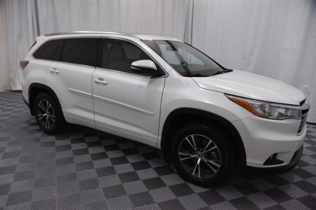 2016 toyota highlander xle awd xle 4dr suv for sale in wichita kansas classified. Black Bedroom Furniture Sets. Home Design Ideas
