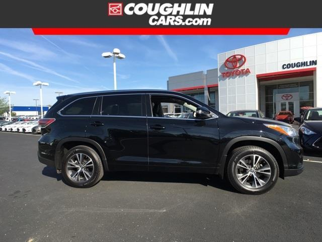 2016 toyota highlander xle awd xle 4dr suv for sale in newark ohio classified. Black Bedroom Furniture Sets. Home Design Ideas