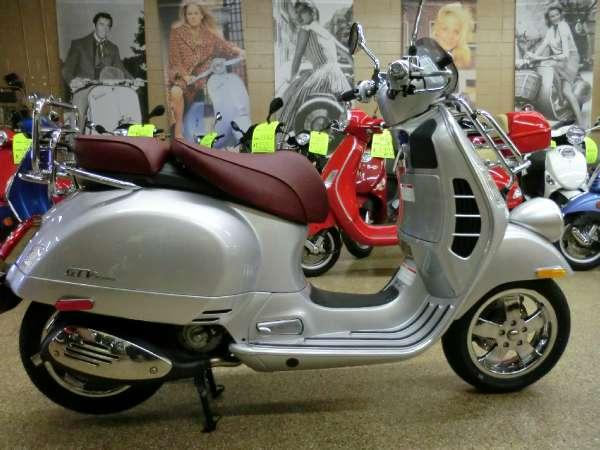 2016 vespa gtv 300 i e abs for sale in downers grove. Black Bedroom Furniture Sets. Home Design Ideas
