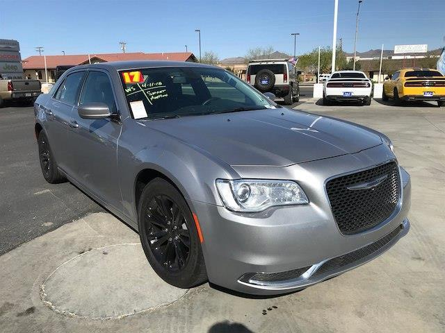 2017 Chrysler 300 Limited Limited 4dr Sedan