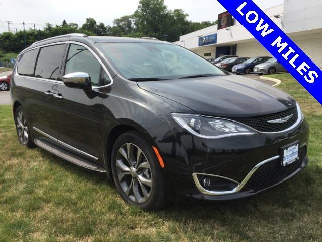 2017 chrysler pacifica limited limited 4dr mini van for sale in new haven connecticut. Black Bedroom Furniture Sets. Home Design Ideas