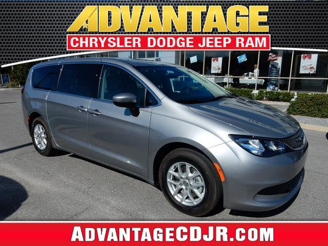 2017 Chrysler Pacifica LX LX 4dr Mini-Van