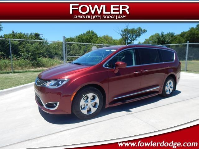 2017 chrysler pacifica touring l plus touring l plus 4dr mini van for sale in oklahoma city. Black Bedroom Furniture Sets. Home Design Ideas