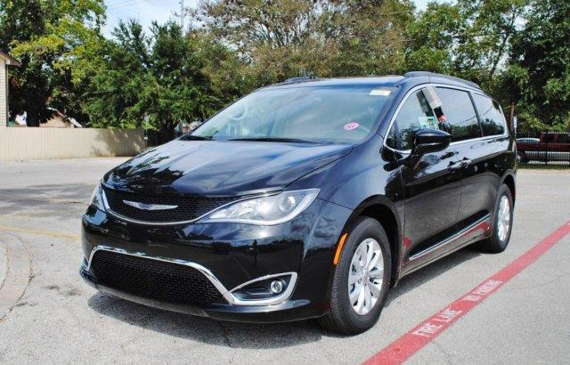 2017 chrysler pacifica touring l touring l 4dr mini van for sale in canyon lake texas. Black Bedroom Furniture Sets. Home Design Ideas