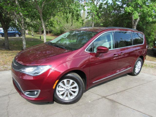 2017 chrysler pacifica touring l touring l 4dr mini van for sale in gainesville florida. Black Bedroom Furniture Sets. Home Design Ideas