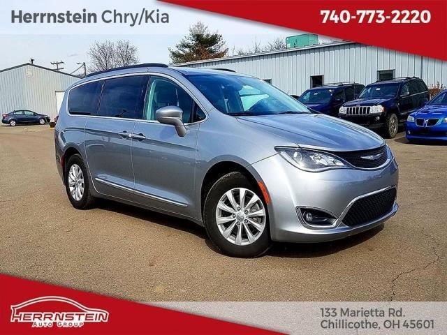 2017 Chrysler Pacifica Touring-L Touring-L 4dr Mini-Van