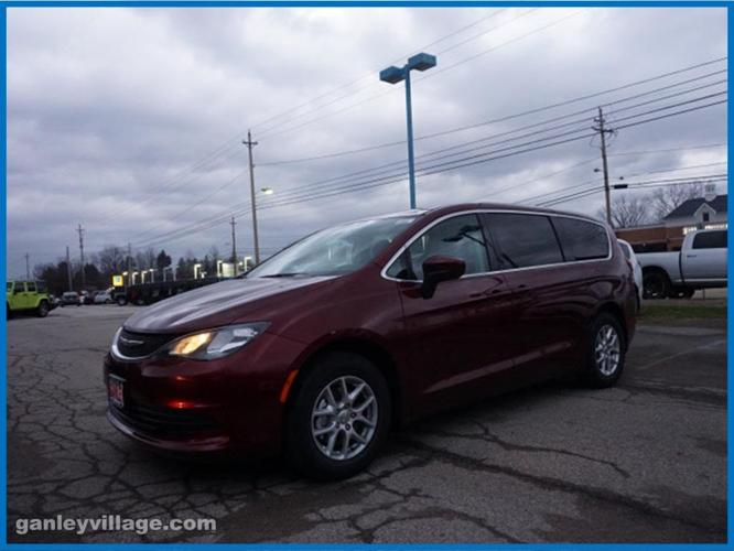 2017 chrysler pacifica touring touring 4dr mini van for sale in concord ohio classified. Black Bedroom Furniture Sets. Home Design Ideas