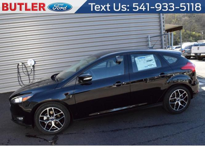 2017 ford focus sel sel 4dr hatchback for sale in ashland. Black Bedroom Furniture Sets. Home Design Ideas