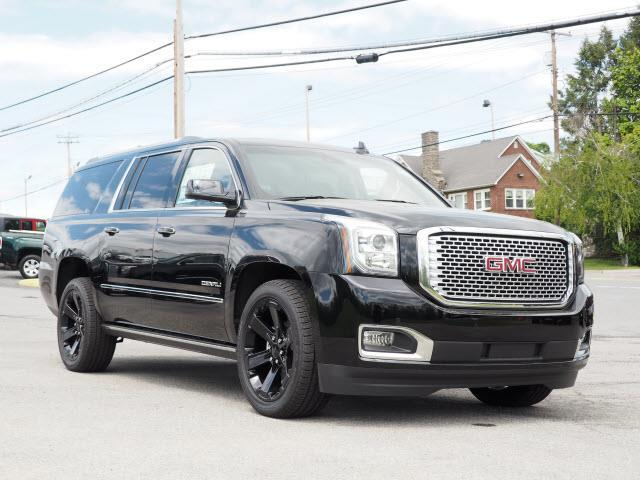 2017 gmc yukon xl denali 4x4 denali 4dr suv for sale in balmville new york classified. Black Bedroom Furniture Sets. Home Design Ideas
