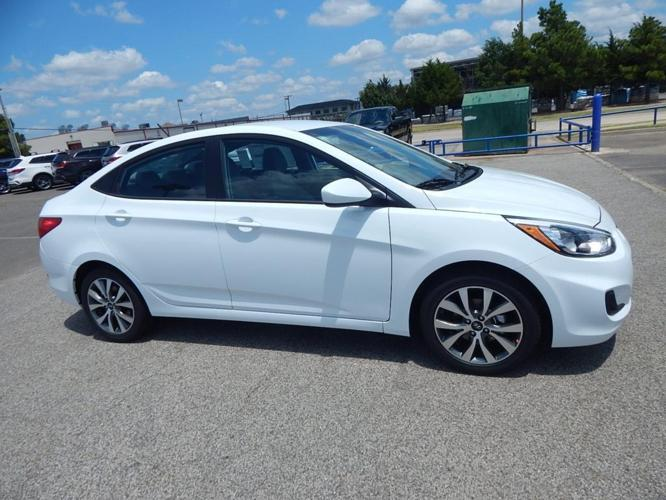 2017 hyundai accent se se 4dr sedan 6a for sale in norman. Black Bedroom Furniture Sets. Home Design Ideas