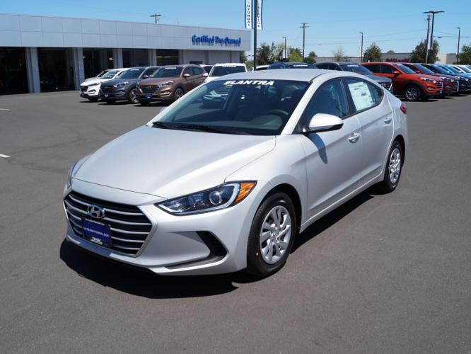 2017 hyundai elantra se se 4dr sedan 6m for sale in bend. Black Bedroom Furniture Sets. Home Design Ideas