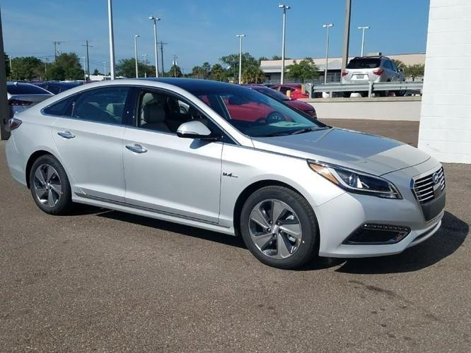 2017 hyundai sonata hybrid limited limited 4dr sedan for sale in tampa florida classified. Black Bedroom Furniture Sets. Home Design Ideas
