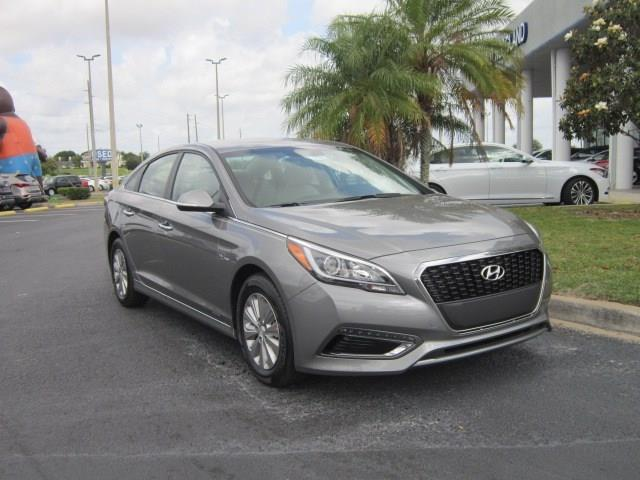 2017 hyundai sonata hybrid se se 4dr sedan for sale in winter haven florida classified. Black Bedroom Furniture Sets. Home Design Ideas