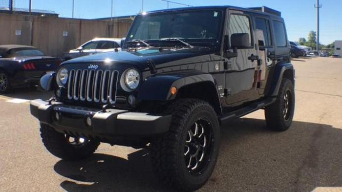2017 jeep wrangler unlimited sahara 4x4 sahara 4dr suv for sale in grand rapids michigan. Black Bedroom Furniture Sets. Home Design Ideas