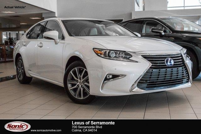 2017 Lexus ES 300h Base 4dr Sedan