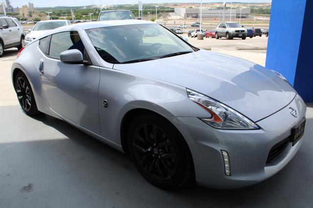 2017 Nissan 370Z Base Base 2dr Coupe 6M