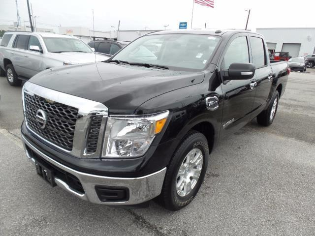 2017 nissan titan sv 4x2 sv 4dr crew cab for sale in pensacola florida classified. Black Bedroom Furniture Sets. Home Design Ideas