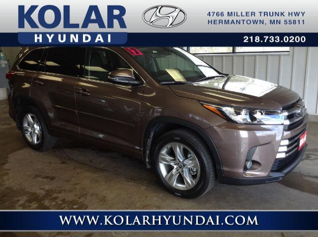 2017 toyota highlander limited awd limited 4dr suv for sale in duluth minnesota classified. Black Bedroom Furniture Sets. Home Design Ideas