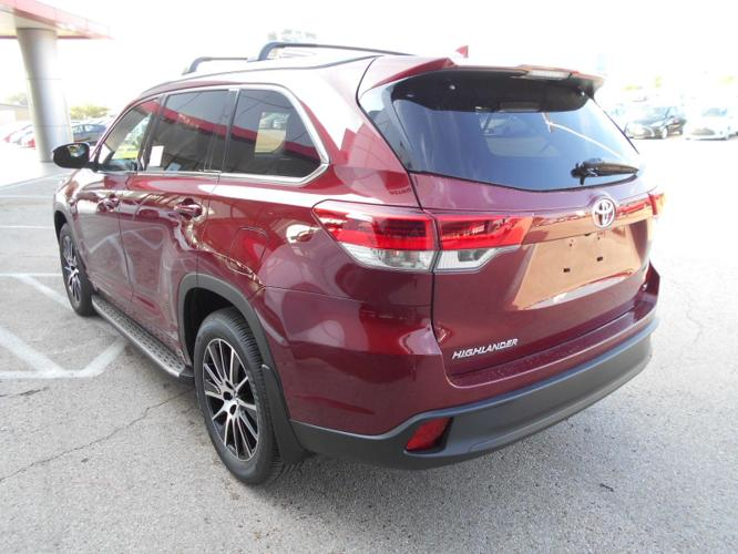 2017 toyota highlander se se 4dr suv for sale in waco texas classified. Black Bedroom Furniture Sets. Home Design Ideas