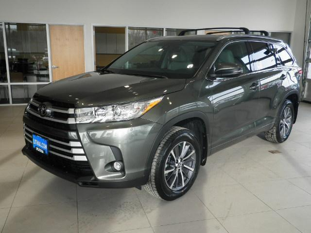 2017 toyota highlander xle awd xle 4dr suv for sale in missoula montana classified. Black Bedroom Furniture Sets. Home Design Ideas