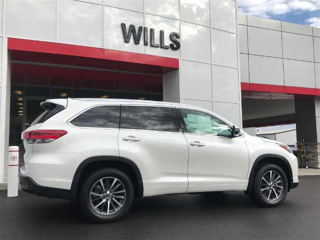 2017 toyota highlander xle awd xle 4dr suv for sale in hollister idaho classified. Black Bedroom Furniture Sets. Home Design Ideas