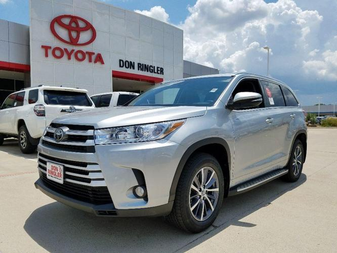 2017 toyota highlander xle xle 4dr suv for sale in temple. Black Bedroom Furniture Sets. Home Design Ideas