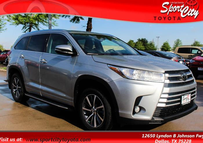 2017 toyota highlander xle xle 4dr suv for sale in dallas