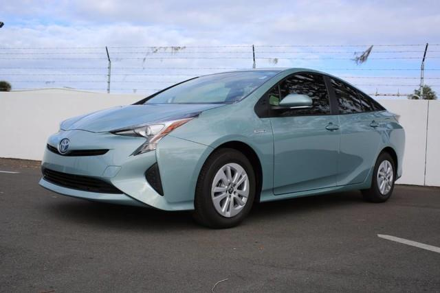 2017 Toyota Prius Two Two 4dr Hatchback