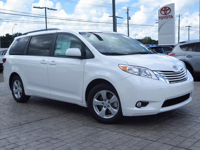 2017 toyota sienna le 7 passenger auto access seat le 7 passenger auto access seat 4dr mini van. Black Bedroom Furniture Sets. Home Design Ideas
