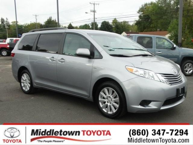 2017 toyota sienna le 7 passenger awd le 7 passenger 4dr mini van for sale in middletown. Black Bedroom Furniture Sets. Home Design Ideas