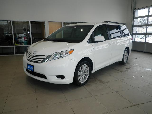 2017 toyota sienna le 7 passenger awd le 7 passenger 4dr mini van for sale in missoula montana. Black Bedroom Furniture Sets. Home Design Ideas