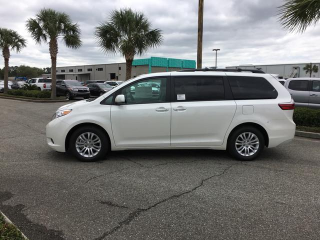 2017 toyota sienna xle premium 8 passenger xle premium 8 passenger 4dr mini van for sale in. Black Bedroom Furniture Sets. Home Design Ideas