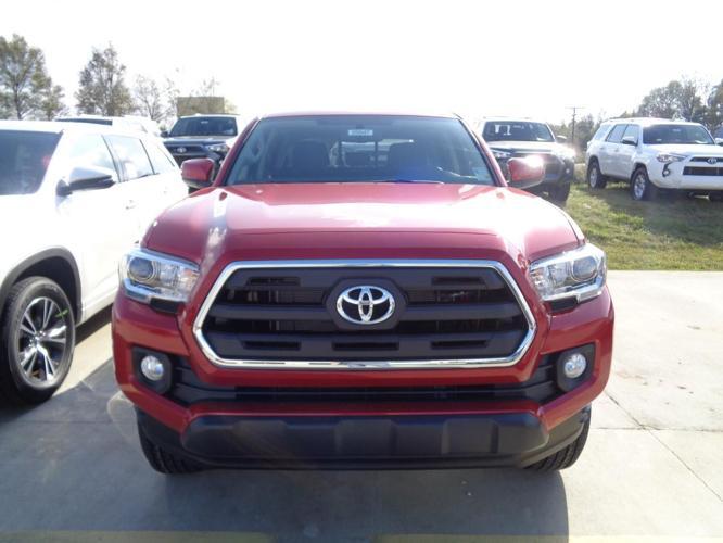 2017 Toyota Tacoma SR5 V6 4x2 SR5 V6 4dr Double Cab 5.0 ft SB for Sale in Lake Charles ...