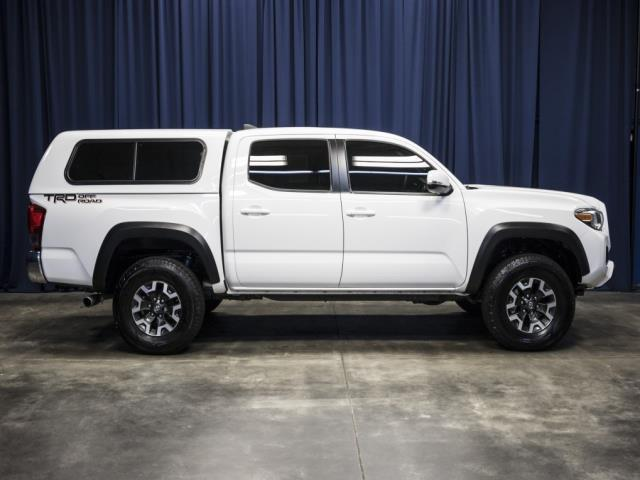 Toyota Tacoma Canopy >> 2017 Toyota Tacoma Trd Off Road 4x2 Trd Off Road 4dr Double Cab 5 0