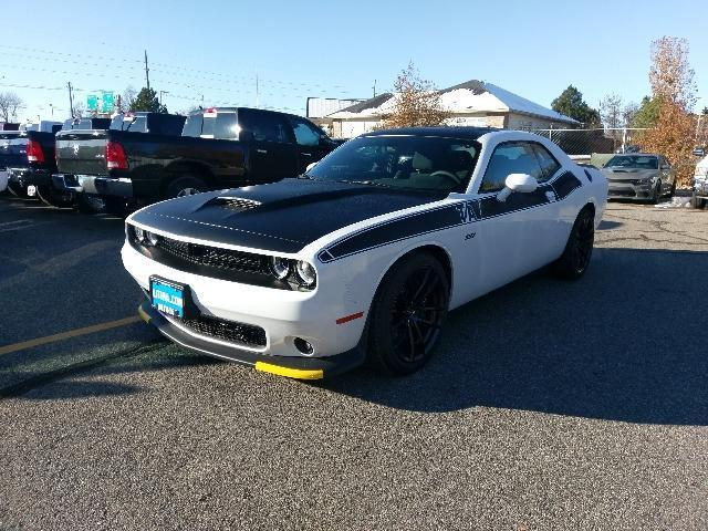 2018 dodge challenger r t scat pack r t scat pack 2dr coupe for sale in billings montana. Black Bedroom Furniture Sets. Home Design Ideas