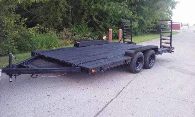 21 foot car trailer with ramps wooden deck ,new paint
