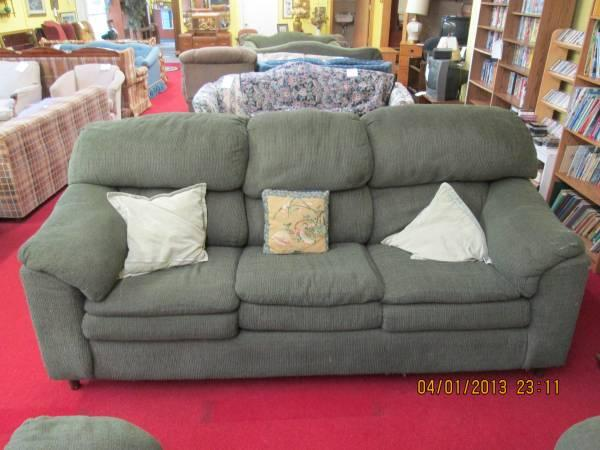 Phenomenal 219 Green Overstuff Couch Loveseat For Sale In Wausau Pabps2019 Chair Design Images Pabps2019Com
