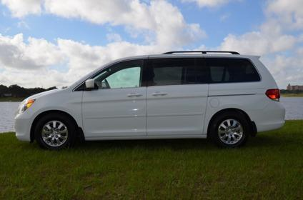 obo 2010 honda odyssey white 6 cylinder for sale in. Black Bedroom Furniture Sets. Home Design Ideas