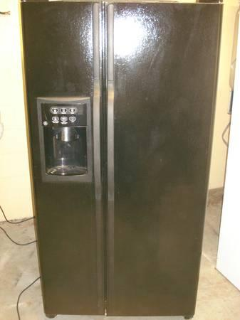 22 Cu Ft GE refrigerator side-by-side black - $400