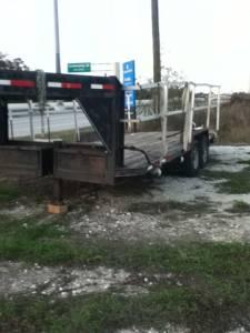 22 foot gose neck flat bed - $1700 (porter Tx)