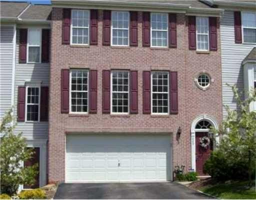 3br Fantastic Brick Townhouse For Rent In Adams Ridge Adams Township For Rent In