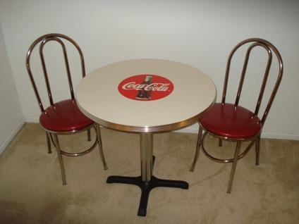 225 Coca-Cola Round Diner Table with chairs - 50's Vintage Retro