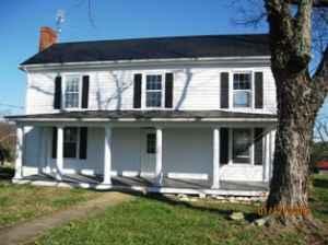 3br 2 Story House 25 Acre Farm 2 Acre Pond Appomattox
