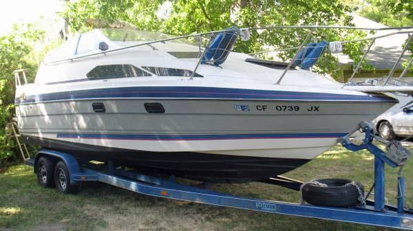 24' 1989 Bayliner 2455 Sunbridge