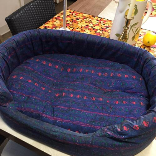 24 inch cloth and foam pet bed with waterproof bot
